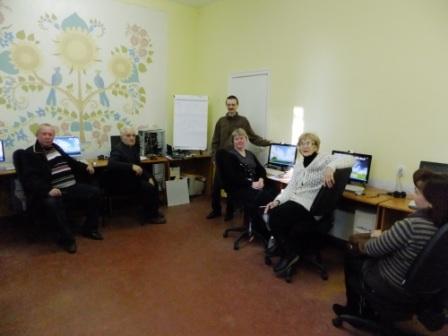 Курси  Основи володіння персональним компьютером та Основи Інтернет. Навчання для дорослих.